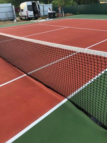 Звенигород, 1 теннисный корт, хард
